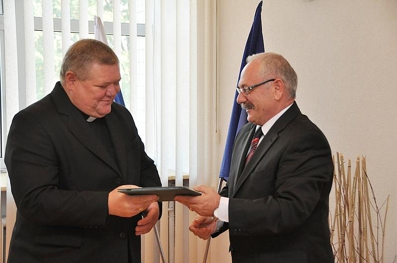 Zmluva SPU s biskupským úradom